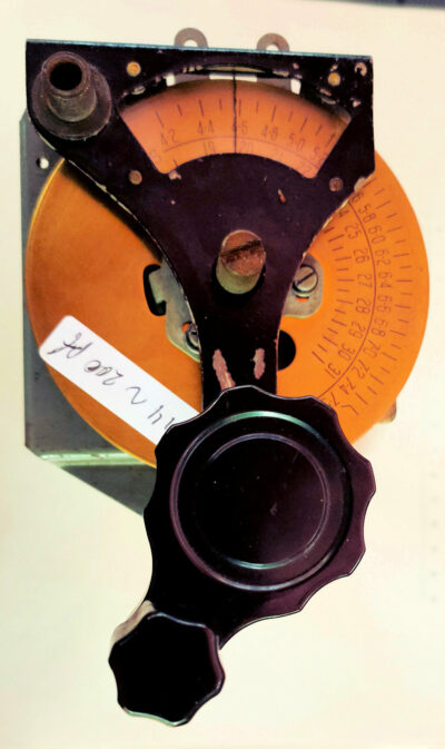 Capacitor, variable, air, 3 sections, dial, vernier